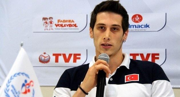 Hakkı Çapkınoğlu'nu Halkbank kaptı