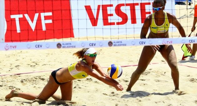 2017 CEV Bayanlar Plaj Voleybolu Avrupa Şampiyonası'nın Ana Tablo Maçları Başladı