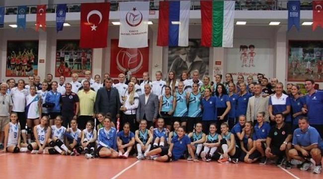 Cengiz Göllü Turnuvası'nda şampiyon Proton Saratov