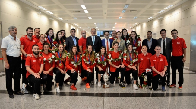 Dünya Şampiyonu U23 Milli Takımımız Yurda Döndü!