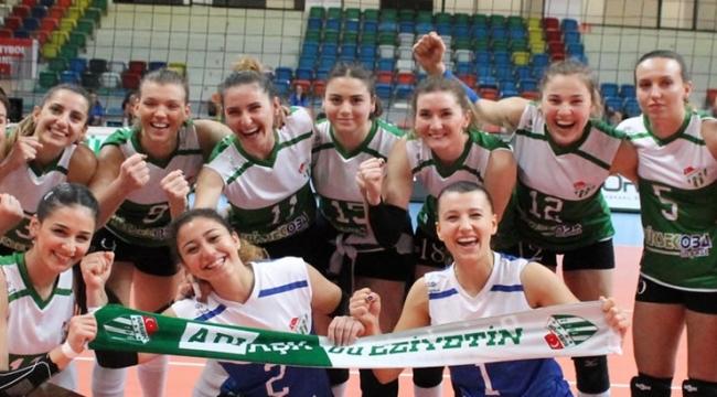 Bursaspor, Sakaryaspor'u 3-1 yendi