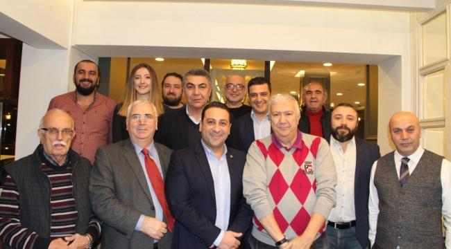 TVF Milli Takımlar Sorumlusu ve Basın Sözcüsü Kurtaran Mumcu, voleybol basınıyla bir araya geldi