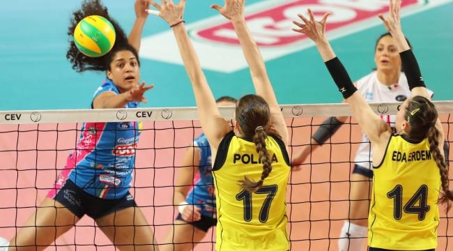 Fenerbahçe, deplasmanda Novara'ya 3-0 Mağlup Oldu