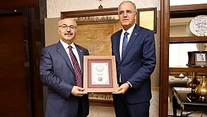 Üstündağ, Aydın Valisi Yavuz Selim Köşger'i Ziyaret Etti