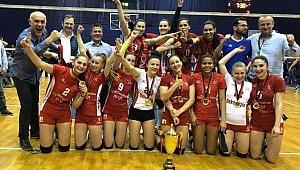 Arnavutluk Ligi Şampiyonu Partizani Tiran (VIDEO)