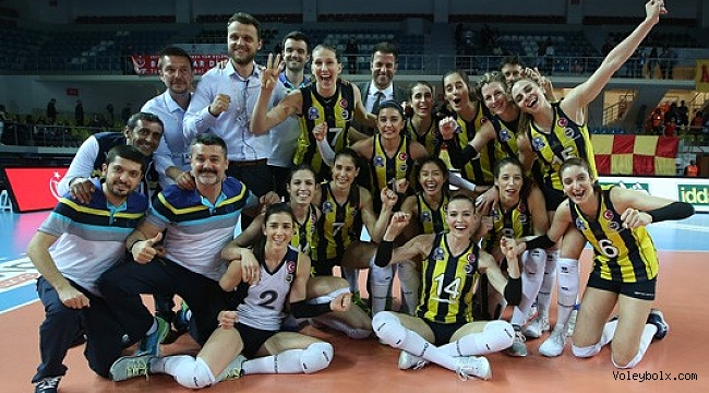 Fenerbahçe, Galatasaray'ı 3-0 yenip üçüncü oldu