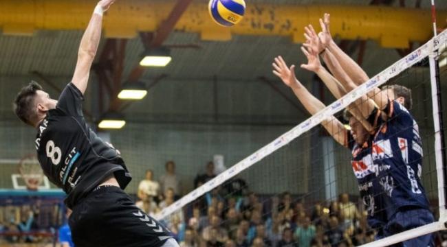 Slovenya'da 2. final maçını da Ach Volley kazandı