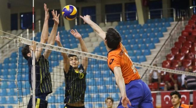 Genç Erkekler Türkiye Şampiyonası Final ve Klasman Maçları Devam Ediyor
