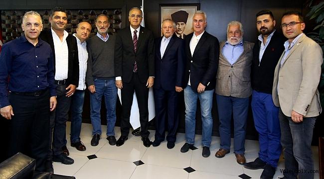 Voleybol Antrenör Dernekleri, TVF Başkanı Mehmet Akif Üstündağ'ı Ziyaret Etti