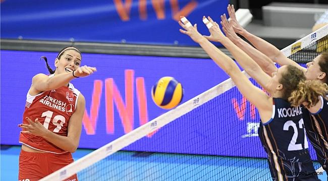A Bayan Milli Takımımız, Milletler Ligi'nde Hollanda'ya 3-2 Mağlup Oldu