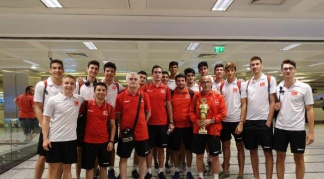 Balkan şampiyonu U18 Erkek Milliler yurda döndü