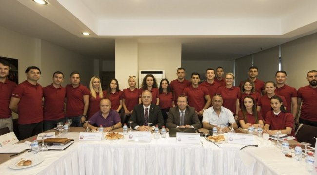 Üstündağ, Ulusal Aday Hakem Kursu'nu Ziyaret Etti