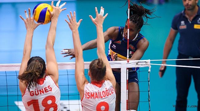 Filenin Sultanları, Montreux Volley Masters'a Galibiyetle Başladı