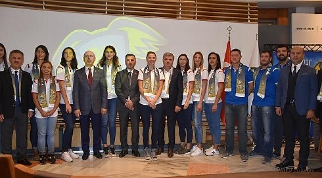 PTT Spor'da imzalar atıldı