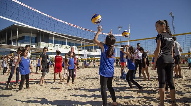 2018 CEV Plaj Voleybolu Festivali Heyecanı Antalya'da Başladı