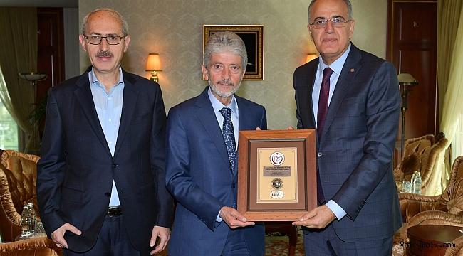 Üstündağ, Ankara Büyükşehir Belediye Başkanı Tuna'yı Ziyaret Etti