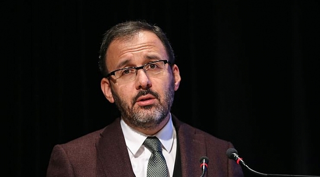 Bakan Kasapoğlu'ndan VakıfBank ve Eczacıbaşı VitrA'ya tebrik