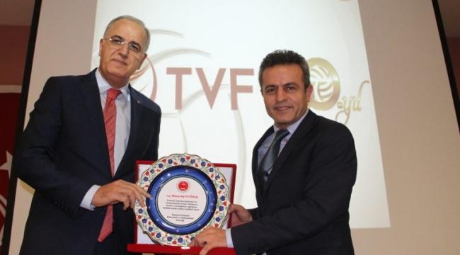 TVF Başkanı Mehmet Akif Üstündağ, A ve AB Klasman Hakemleri Ara Seminerine Katıldı