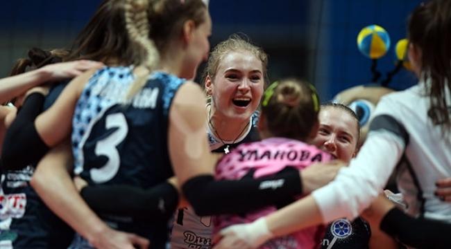 Rusya derbisinde gülen Dinamo Kazan