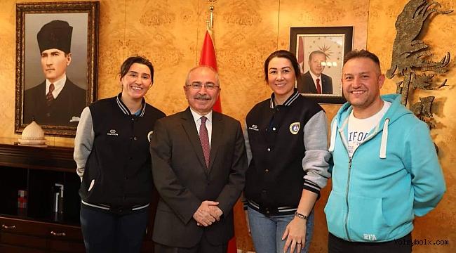 Zülfiye ve Gamze Mardin Büyükşehir Belediyesi'nde..