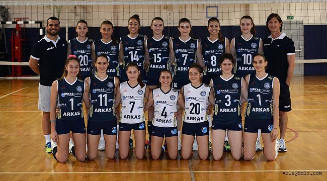 Arkas Spor Bayan Voleybol Takımı 2. Lig'e yükseldi