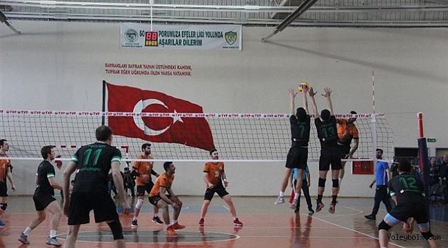 Solhanspor, Malatya Büyükşehir Belediye Voleybol takımını 3-0 mağlup etti