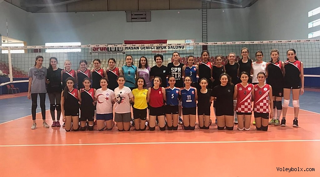 Altyapı Bayan Voleybol Milli Takımları Sporcu Taramaları Kocaeli ve Sakarya'da Gerçekleştirildi