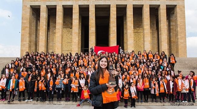 Atatürk'ün kızları, ''Kadınlar ve Spor Dünya Ödülü'' ile Ata'sına koştu