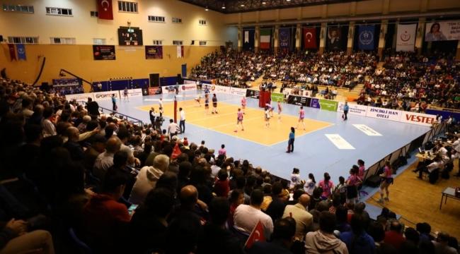 Aydın BBSK, Challenge Kupası Final İlk Maçında Monza'ya 3-0 Mağlup Oldu