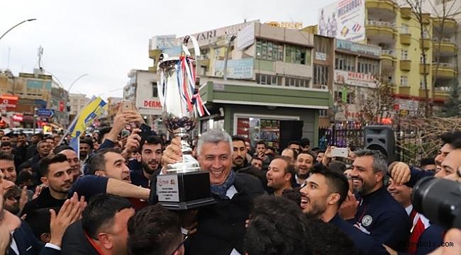 Cizre Belediyesi Erkek Voleybol Takımı 1. Lig'de