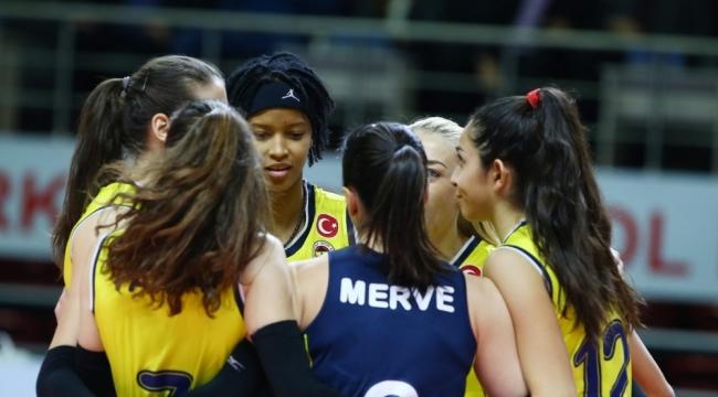 Fenerbahçe Opet'te hedef yarı final
