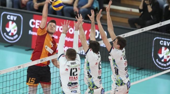 Galatasaray, CEV Kupası Final İlk Maçında Trentino'ya 3-0 Mağlup Oldu