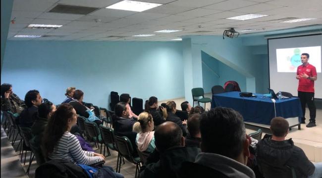 Fabrika Voleybol Veli Eğitim Seminerleri'nin İkincisi İzmir'de Düzenlendi