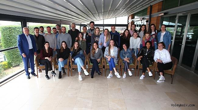 Fenerbahçe Opet kahvaltıda yöneticiler ile bir araya geldi