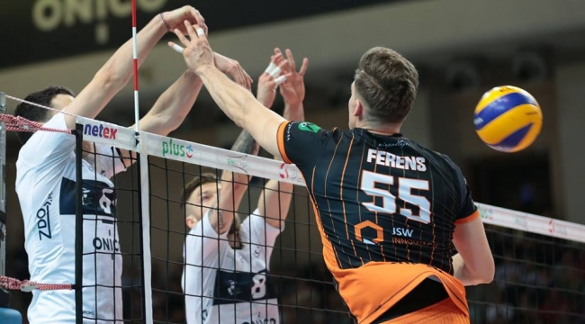 Polonya'da yarı final ilk maçları tamamlandı