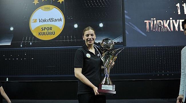 Cansu Özbay 'Tüm kupalara talibim'