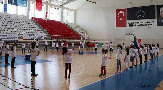 Fabrika Voleybol, Yeni Okulu'nu Erzincan'da Açtı