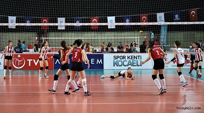 Midiler (Kız-Erkek) Türkiye Şampiyonası'nda Yarı Finalistler Belli Oldu