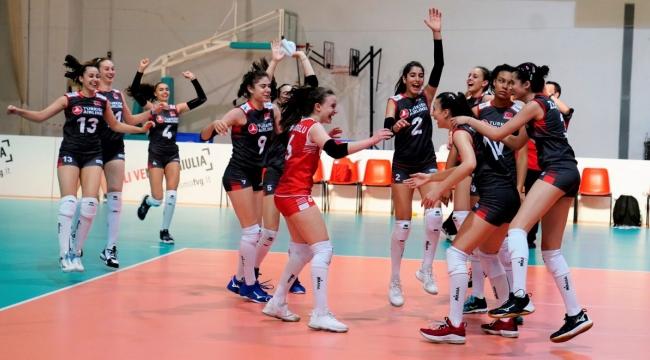 U16 Küçük Kız Milli Takımımız, Avrupa Şampiyonası'nda 3. Galibiyetini Aldı