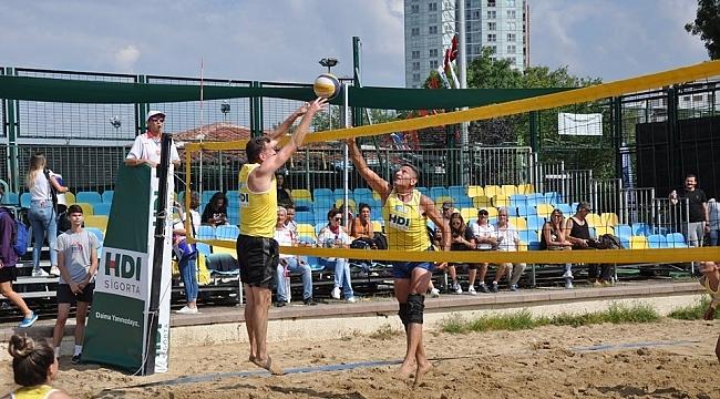 Kadıköy Plaj Voleybolu Turnuvasından muhteşem final