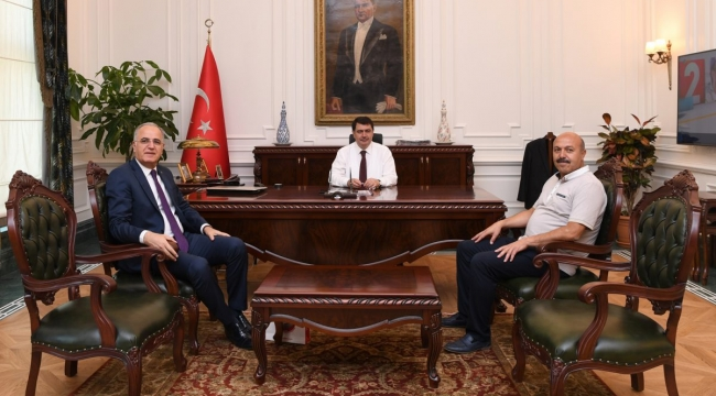 TVF Başkanı Mehmet Akif Üstündağ, Ankara Valisi Vasip Şahin'i Ziyaret Etti