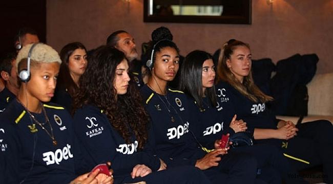 Fenerbahçeli voleybolculara toplumsal cinsiyet eşitliği semineri verildi