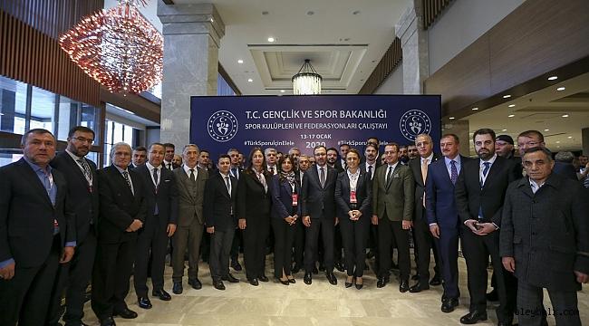 TVF Başkanı Üstündağ, Spor Kulüpleri ve Federasyonları Çalıştayı'na Katıldı