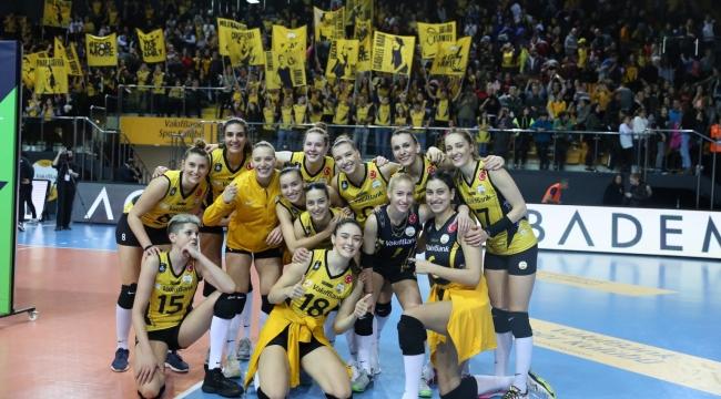 VakıfBank, Şampiyonlar Ligi'nde Maribor'u 3-0 Mağlup Etti