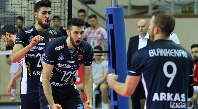 Arkas Spor 4'lü final için sahaya çıkıyor