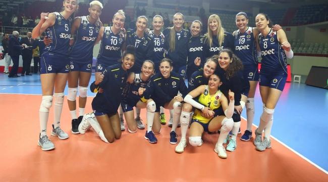 Fenerbahçe Opet, Şampiyonlar Ligi'nde Çeyrek Finalde