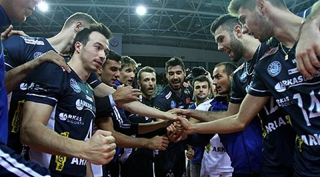 Arkas Spor 7'de 7 için sahaya çıkıyor