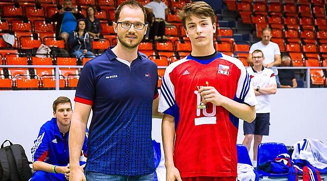 Genç yıldız Jiri Mikulenka, Kladno Volleyball'a transfer oldu