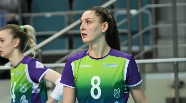 Anna Melnikova, Lokomotiv Kaliningrad ile anlaştı...