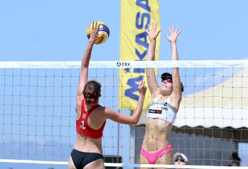 2020 CEV U18 Plaj Voleybolu Avrupa Şampiyonası'nda 2. Gün Geride Kaldı